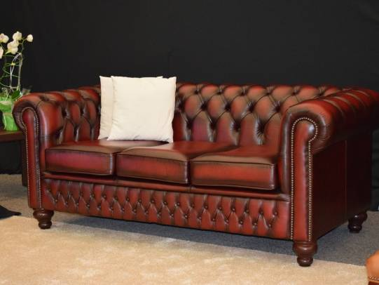 Chesterfield Classic Sofa im Leder Antique Red