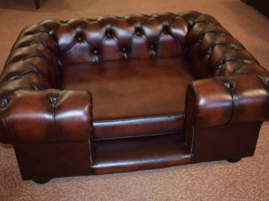 Chesterfield Hundebett in Antik