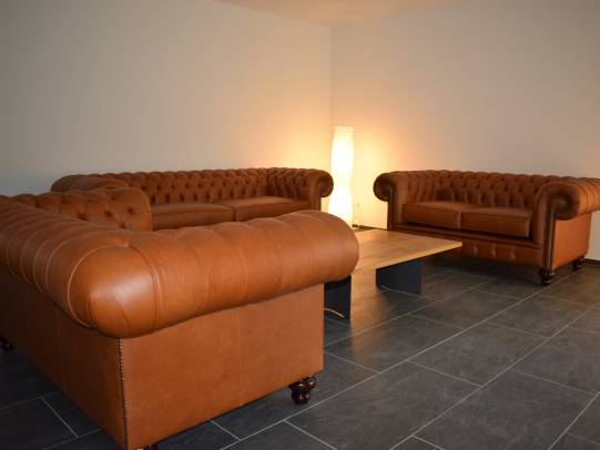 Chesterfield 2- und 3-Sitzer Sofa Raleigh in Highland Whiskey
