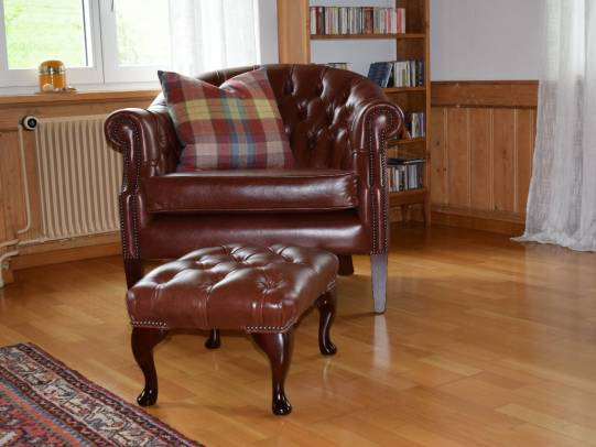 Special Chesterfield Shelly Tub Chair in Old English Chestnut