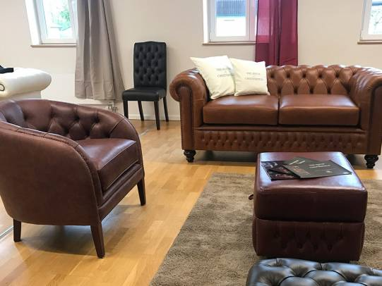 Chesterfield Sofa Shakleton und Chesterfield Sessel Byron